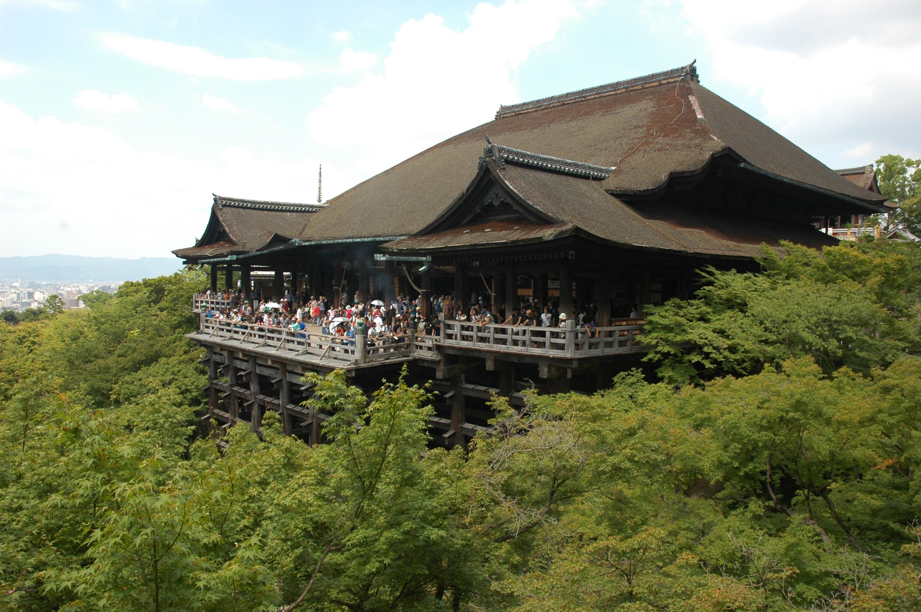 Kiyomizu-dera shrine