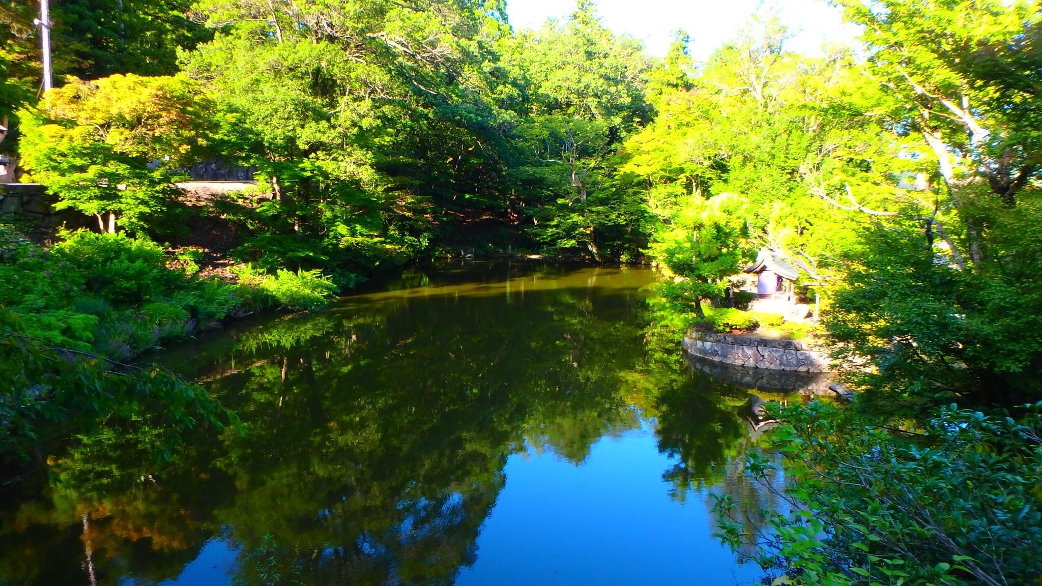 Nariai-ji temple lake